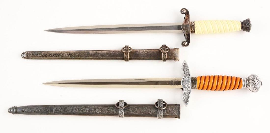 Lot of 2: WWII German Luftwaffe and Heer Daggers. - 2