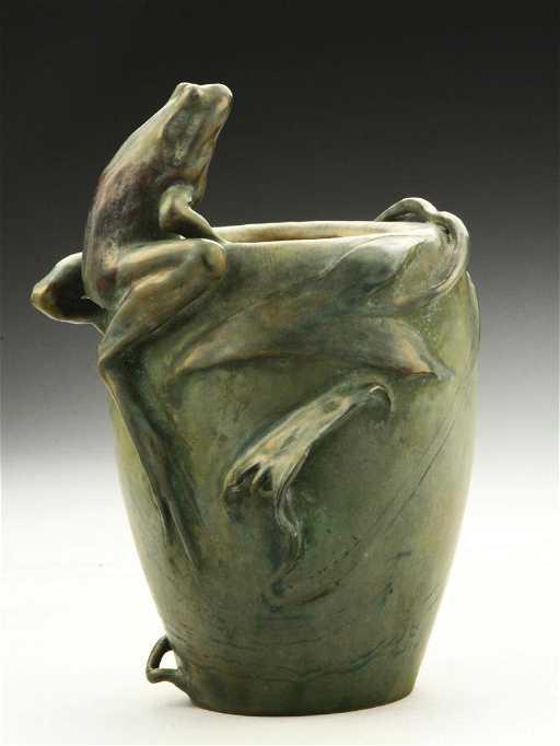 Amphora Frog Vase