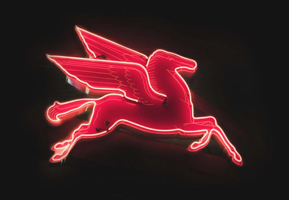 Mobil Right Facing Pegasus Cookie Cutter Porcelain Sign