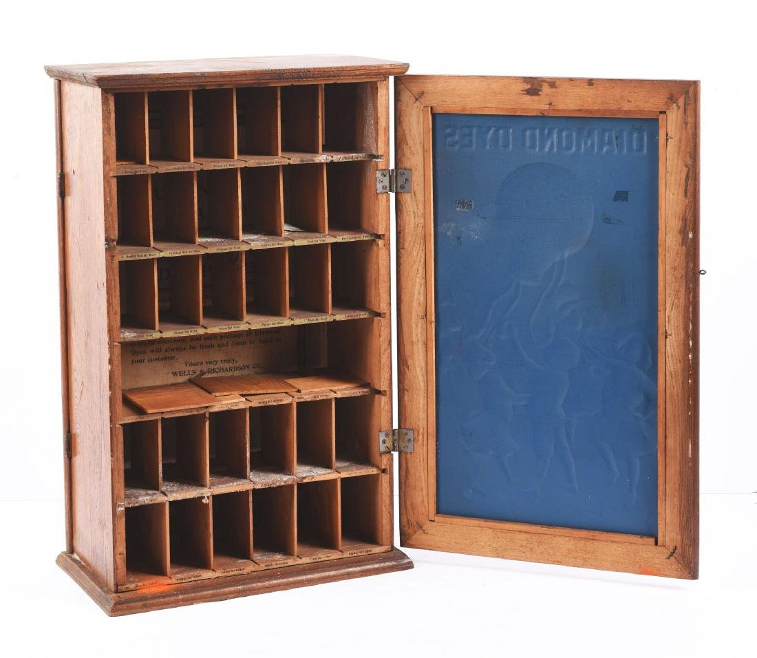 Diamond Dyes Wooden display Cabinet. - 2
