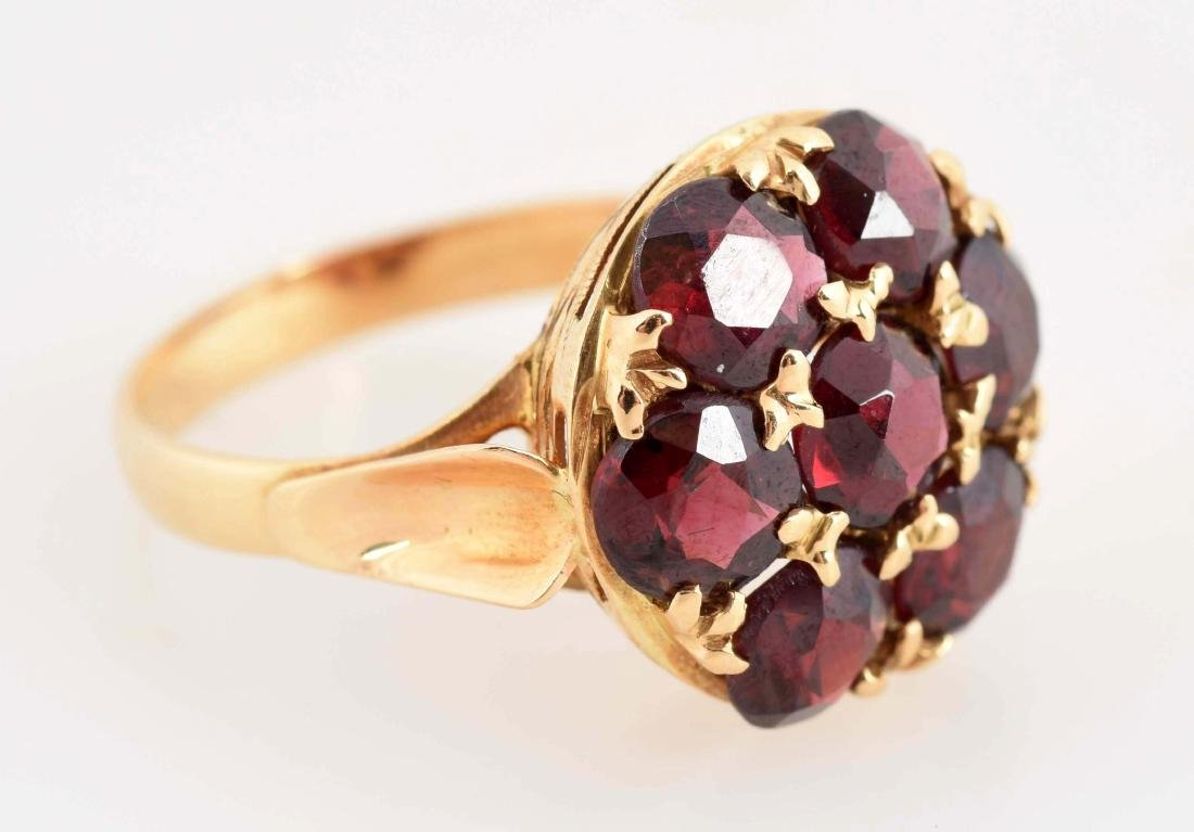18K Yellow Gold Garnet Ring. - 2