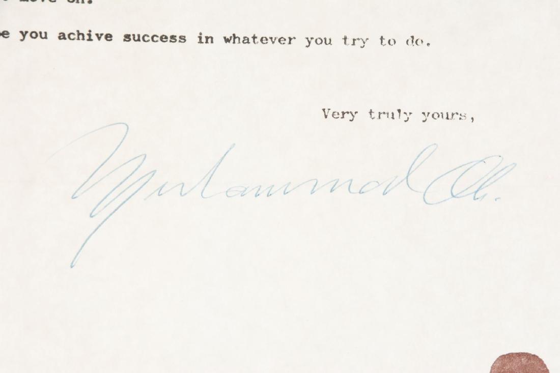 1970's Muhammad Ali Signed Letter. - 2