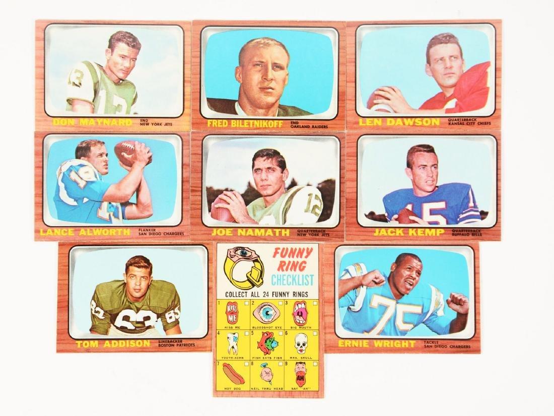 1966 Topps Football Set (132).