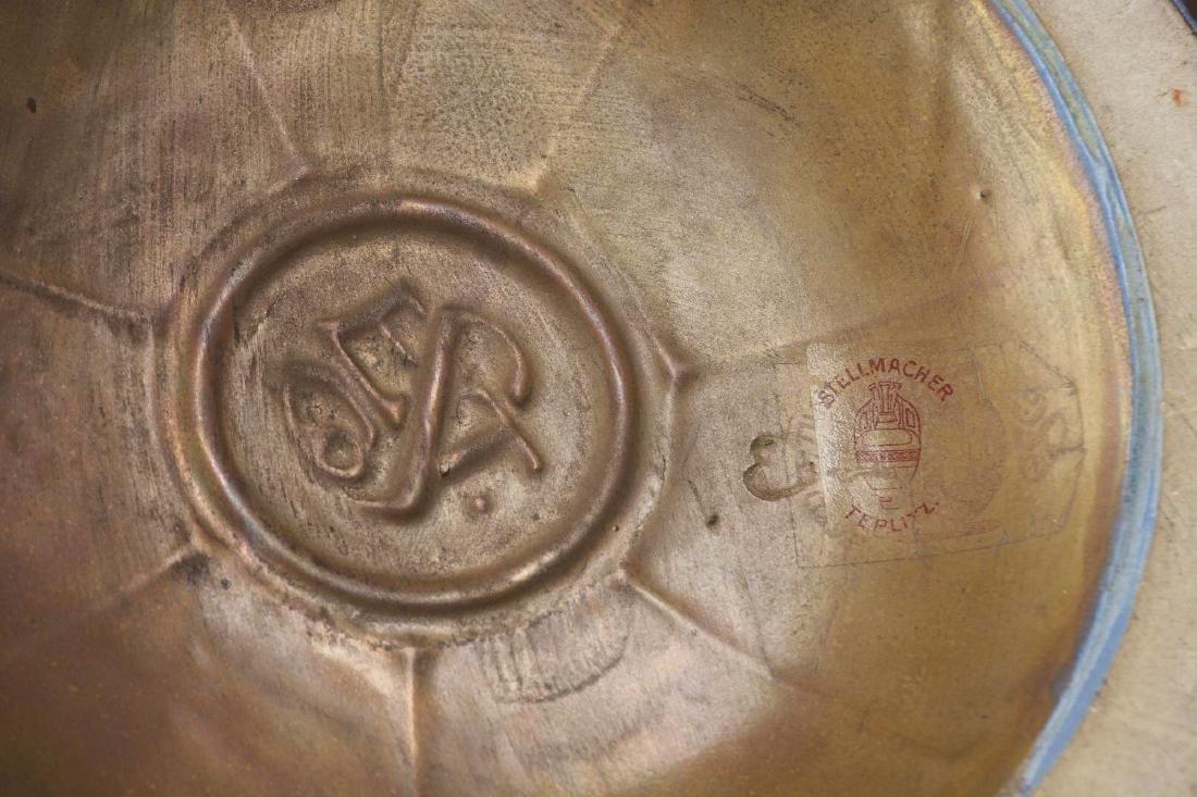 Stellmacher Amphora Vase. - 3