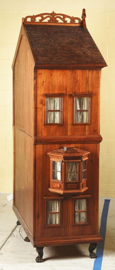 Cabinet Doll House. - 10