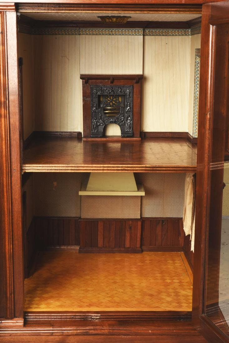 Cabinet Doll House. - 7