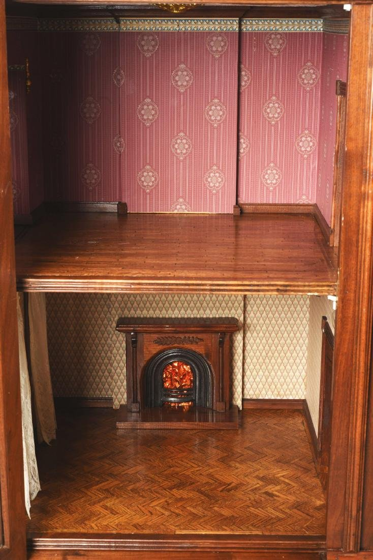 Cabinet Doll House. - 8