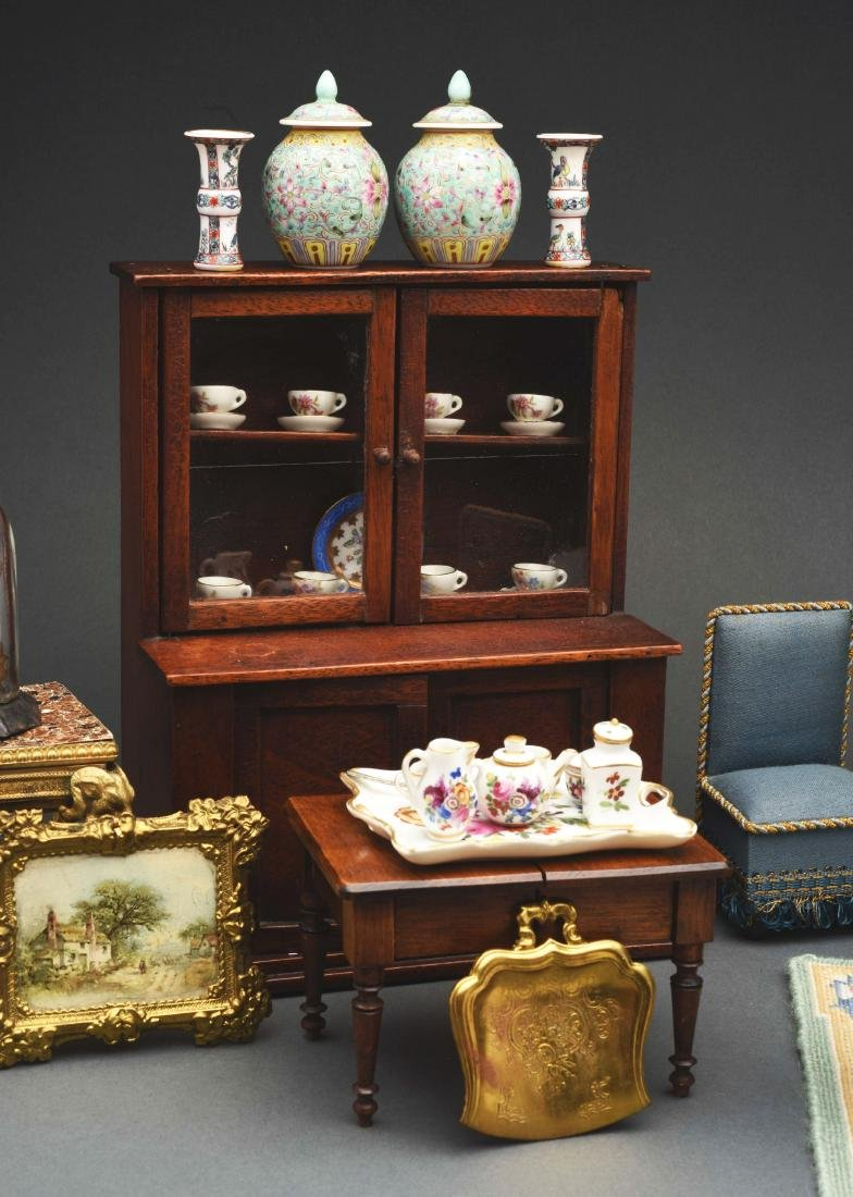 Blue Parlor Set with Dolls. - 5