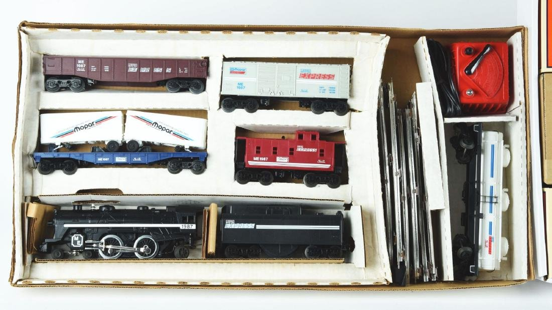 Lot Of 2: Lionel Train Sets. - 2