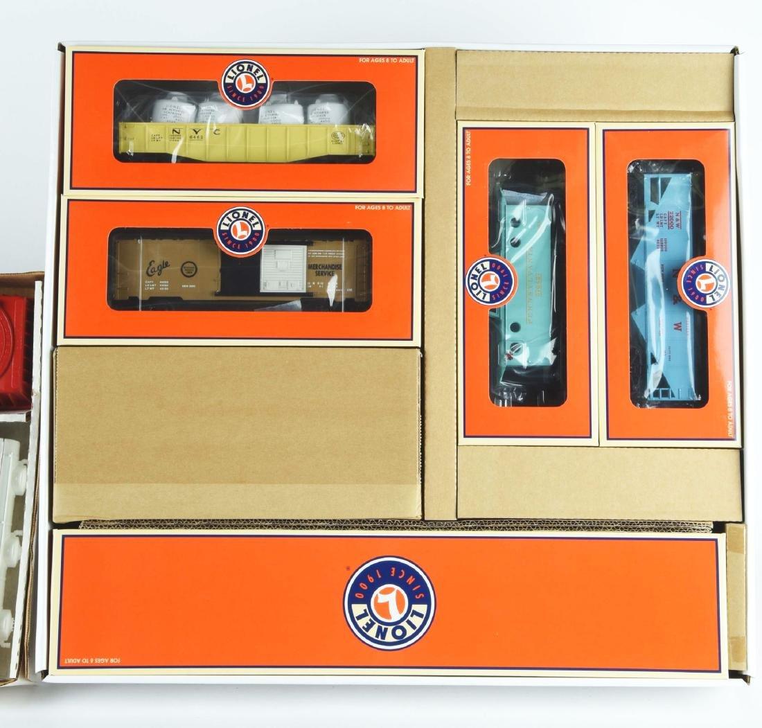 Lot Of 2: Lionel Train Sets. - 3
