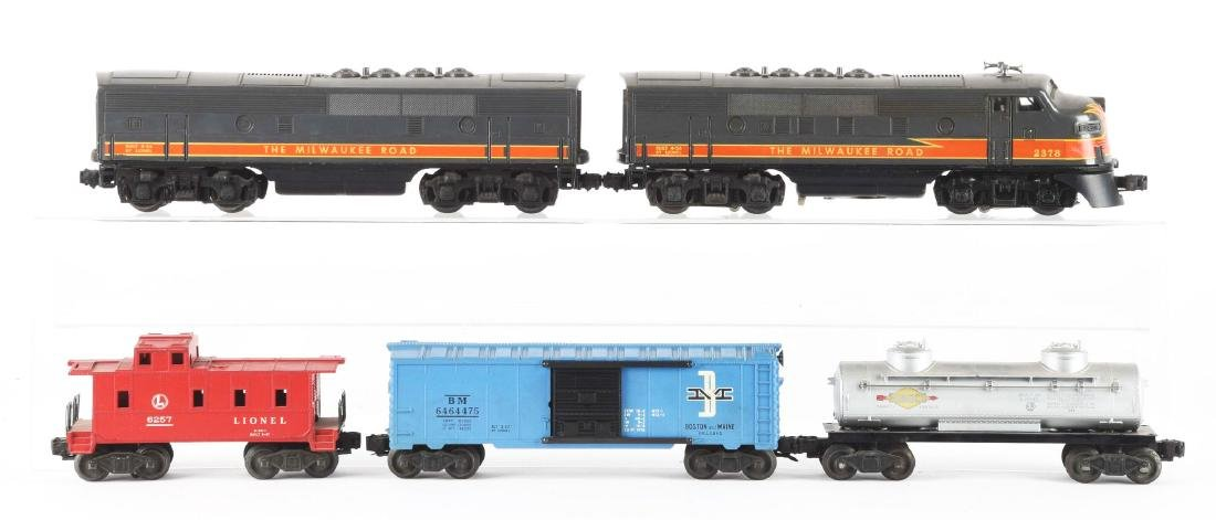 Lot of 5: Lionel No. 2378 Milwaukee Road AB Unit and