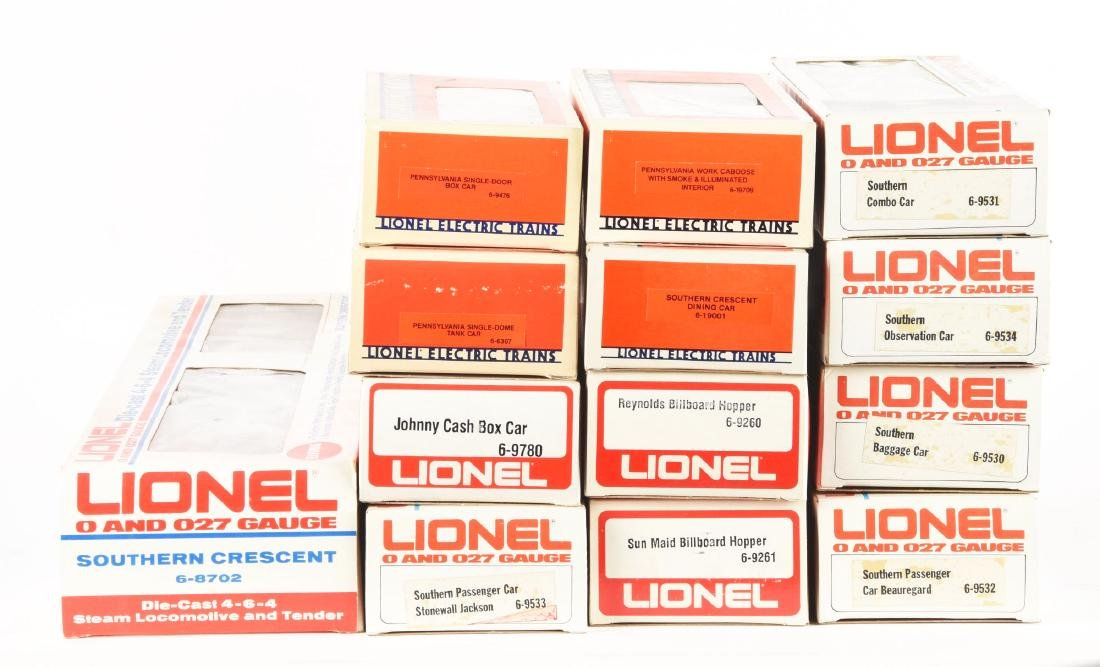 Lot of 16: Lionel PRR F3, Crescent Set and Boxcars. - 2