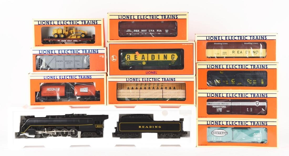 Lot of 11: Lionel Reading T-1 Locomotive with Freight