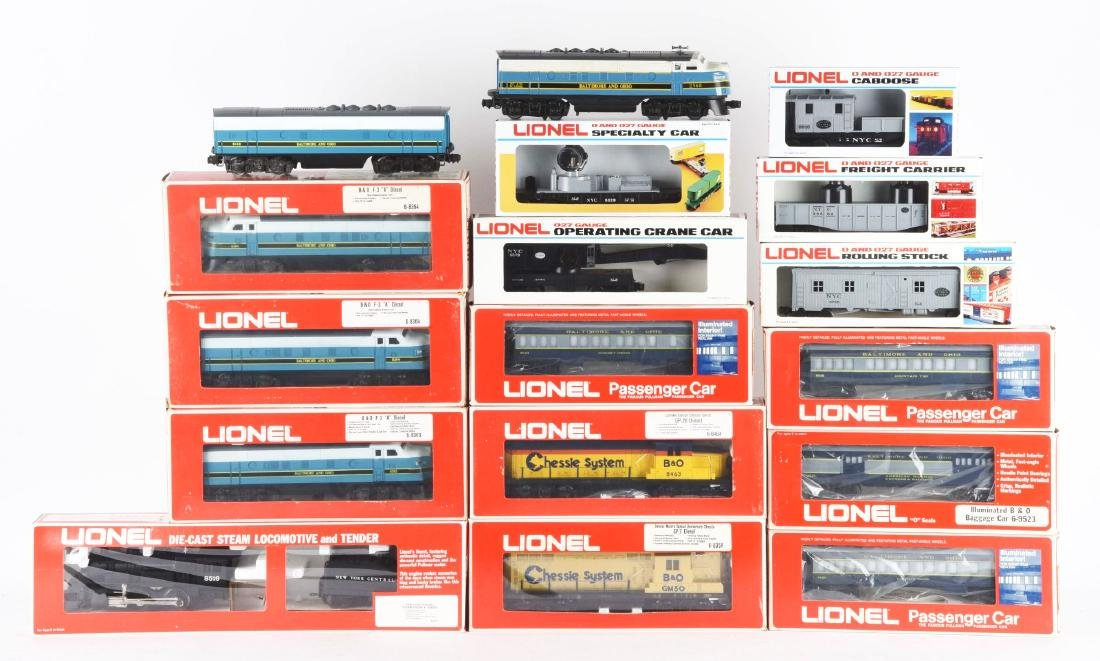 Lot of 12: Lionel B&O and NYC Train Sets.
