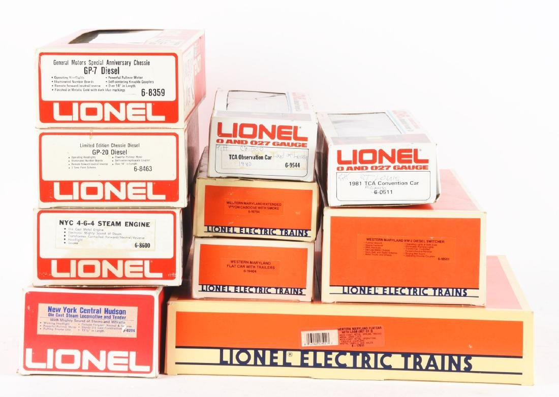 Lot of 10: Lionel Western Maryland & Chessie Items In - 2
