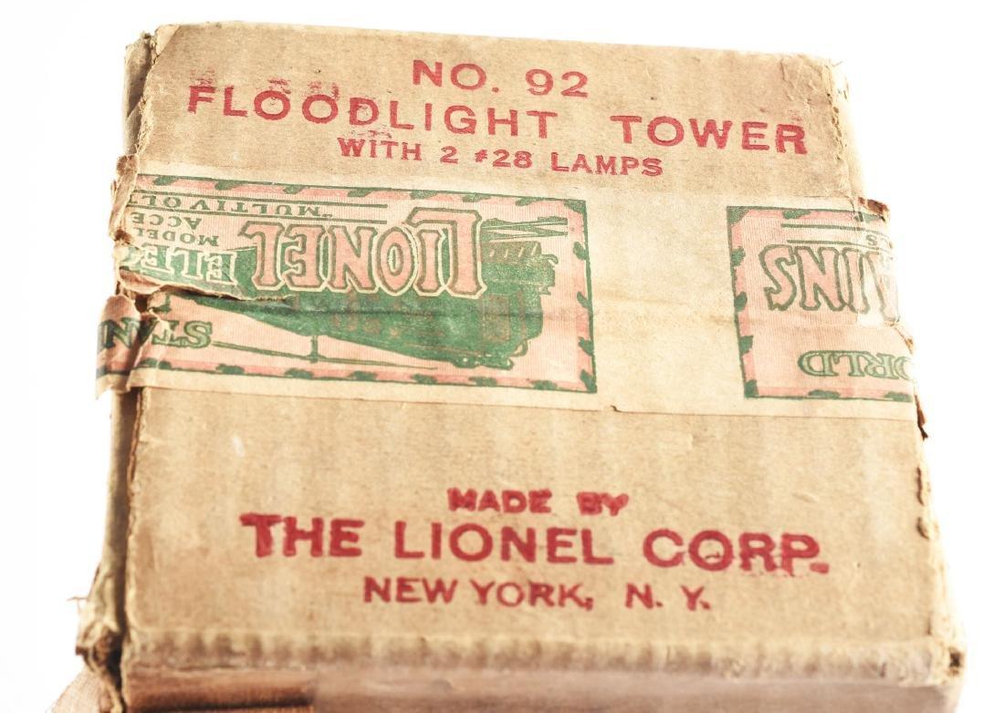 Lionel Standard Gauge No. 92 Floodlight Tower. - 3