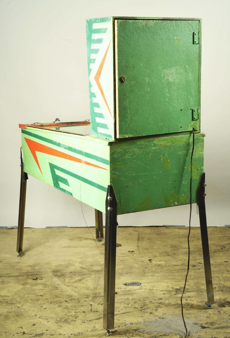 10¢, 25¢ Midway's Slugger Pinball Arcade Machine. - 4