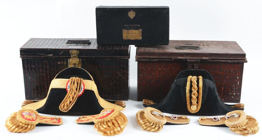Lot of 3: Cased British & Chilean Navy Epaulettes, Hats