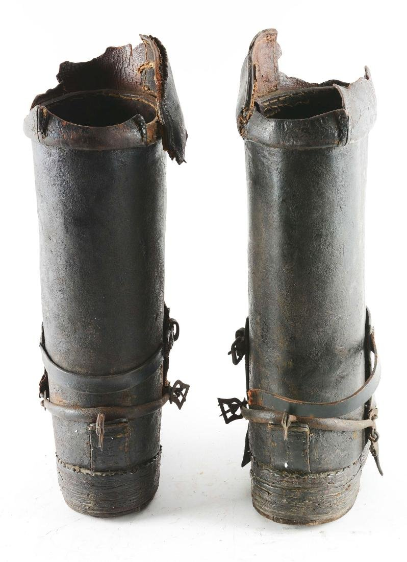 Very Rare Pair of Cuirassier Boots from the Second Half - 4