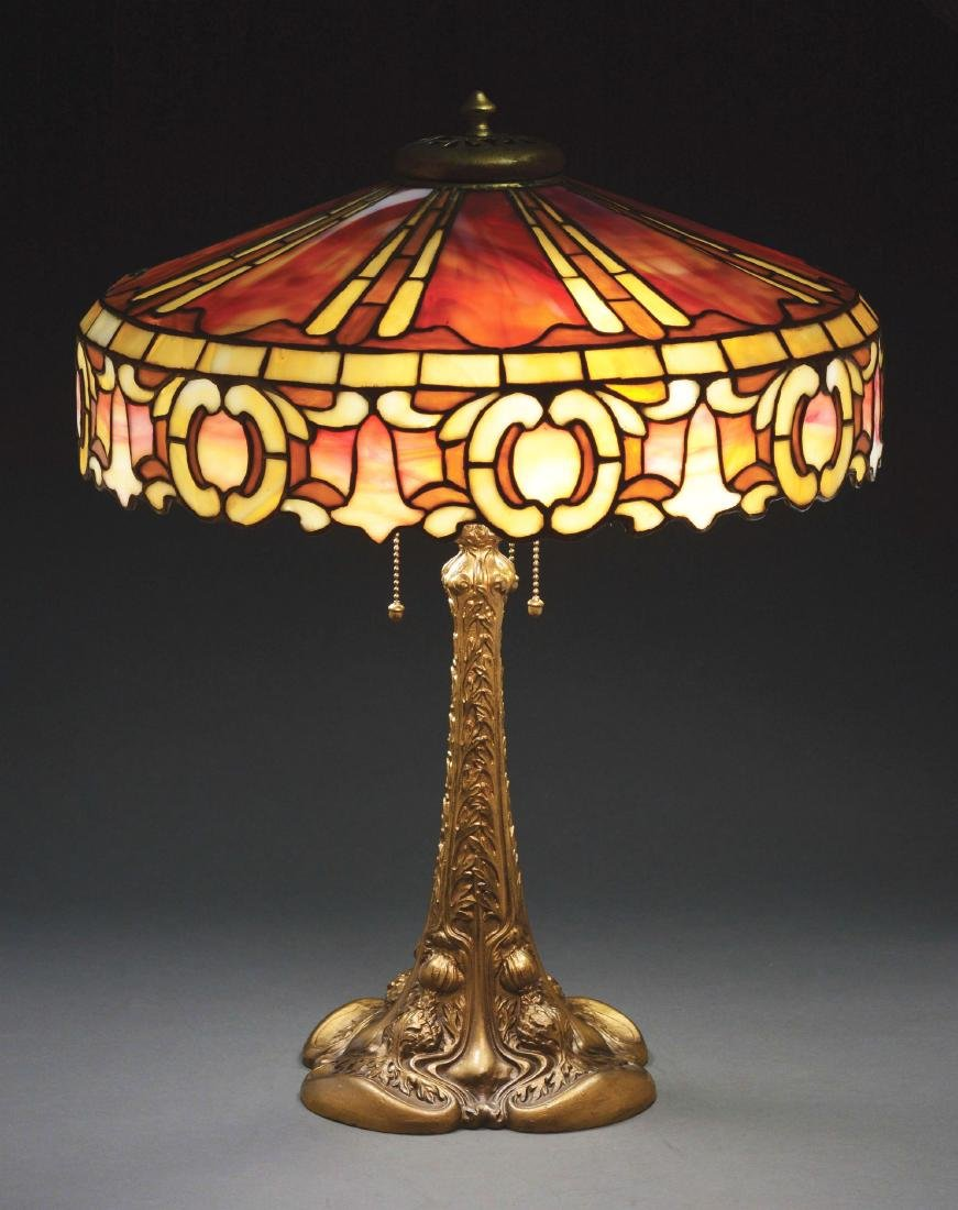 Duffner And Kimberly Leaded Table Lamp.