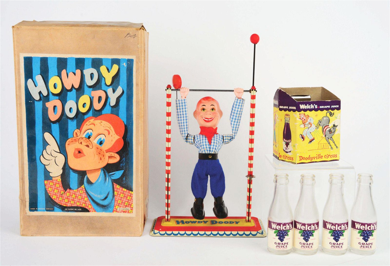 LOT OF 2: VINTAGE HOWDY DOODY ITEMS.