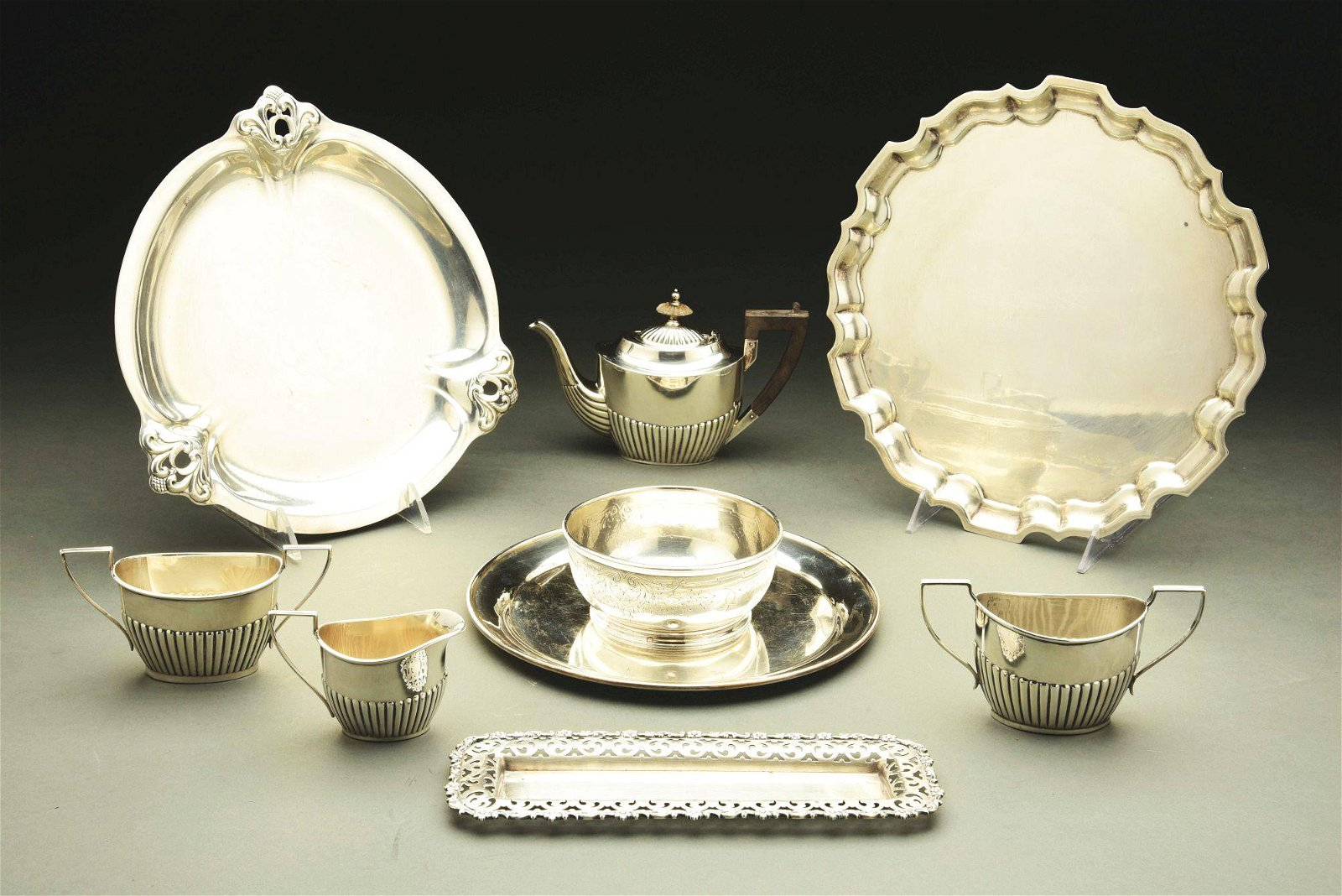A GROUP OF AMERICAN STERLING TABLE WARES.