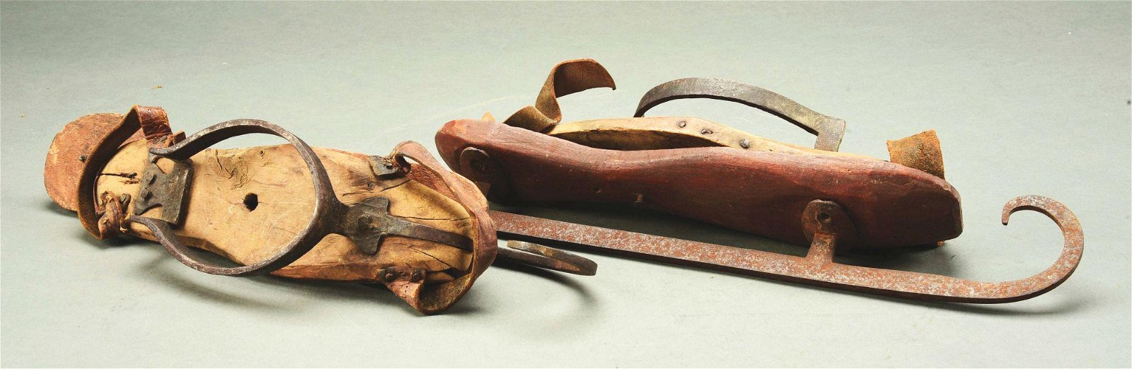 PAIR OF EARLY ICE SKATES.