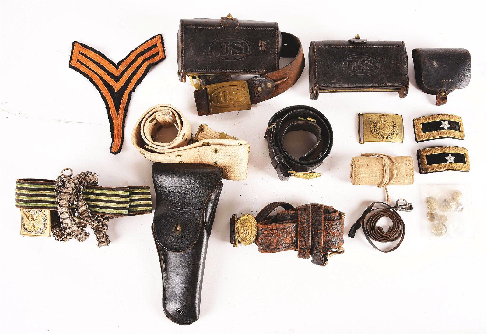 LOT OF MISCELLANEOUS AMERICAN MILITARY BELTS AND