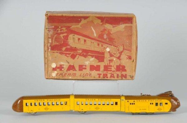 1601: Hafner O-Gauge Streamline Passenger Set.