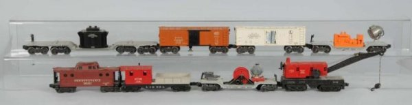 1611: Lot of 8: Lionel O-Gauge Freight Cars.