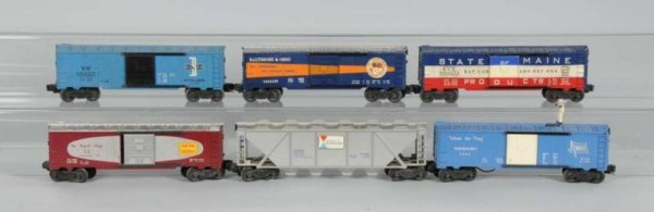 1612: Lot of 6: Lionel O-Gauge Freight Cars.