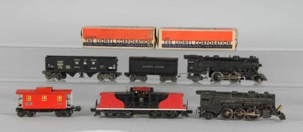 1620: Lot of 8: Lionel Engines & Cars.