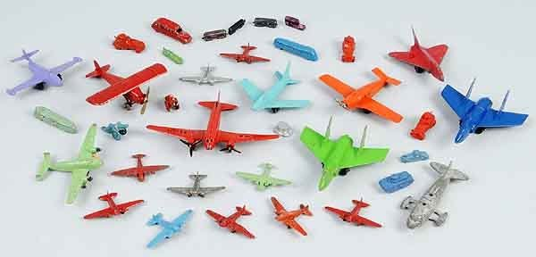 2109: Lot of 30: Tootsie Toy Die-Cast Airplane Toys.