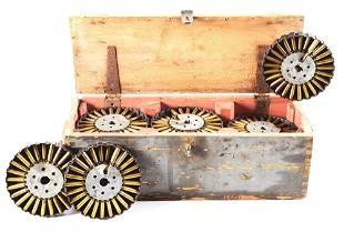 RARE WOODEN .303 LEWIS PAN MAGAZINE BOX WITH 14 PAN