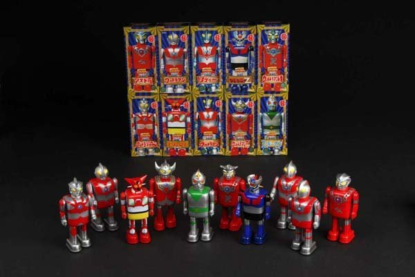 709: Lot of 10: Tin Superhero Wind-Up Toys.