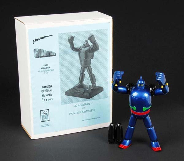 732: Horizon Gigantor & Tetsujin 28 Statue.