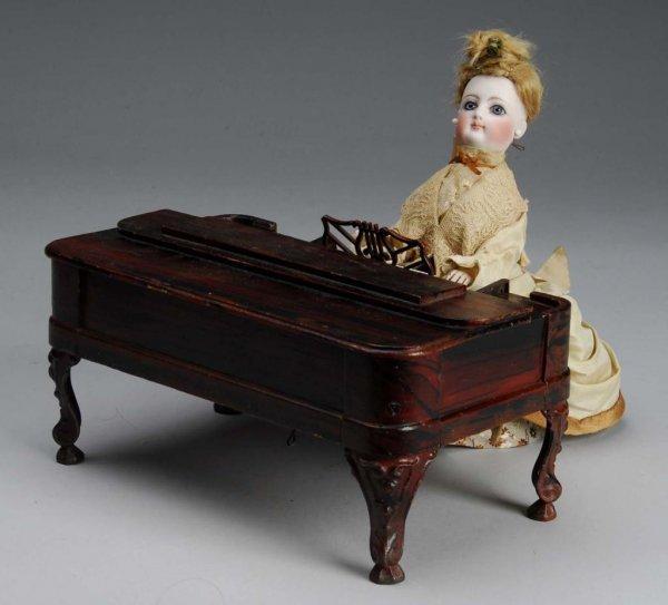 1009: Girl Playing Piano Automaton.