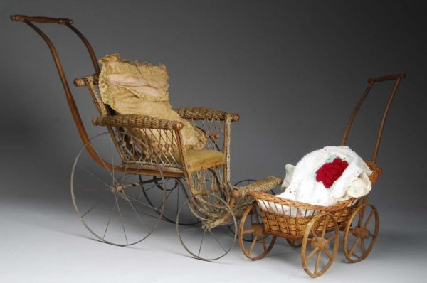 1014: Lot of 2: Wicker Baby Doll Carriages.