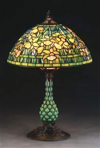 TIFFANY STUDIOS DAFFODIL TABLE LAMP.