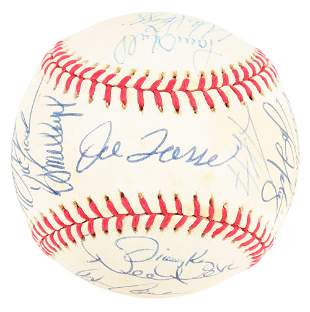 1996 AUTOGRAPHED YANKEES TEAM BALL.