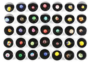 BOXED LOT OF CONTEMPORARY PEE WEE MARBLES.