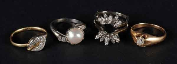 10: Lot of 4: Diamond Rings.