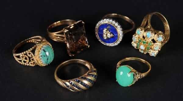 14: Lot of 6: Gold Rings.