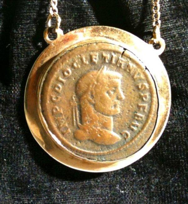 12: 14K Gold Pendant with Roman Empire Coin.
