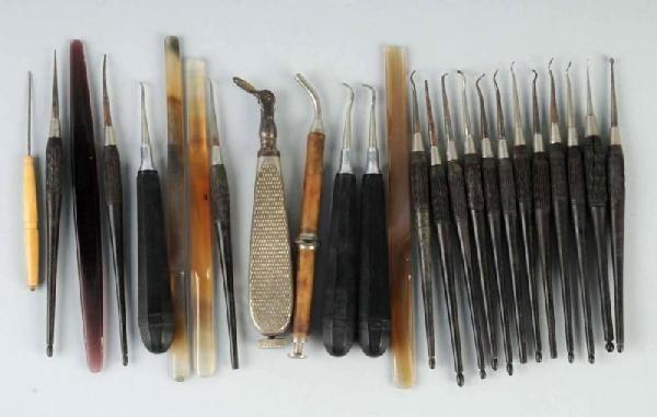 12: Lot of 25: Dental Instruments.