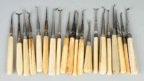 19: Lot of 20: Dental Pluggers.