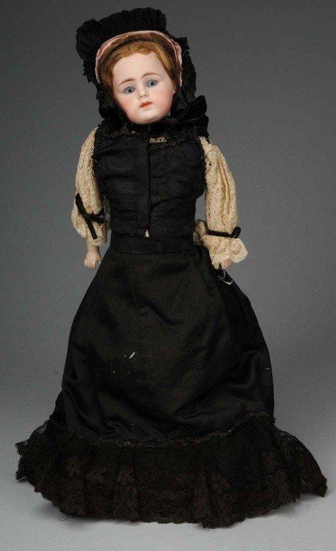 900: Simon & Halbig Lady Doll.