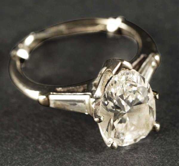 7: Platinum Ladies Engagement Ring.