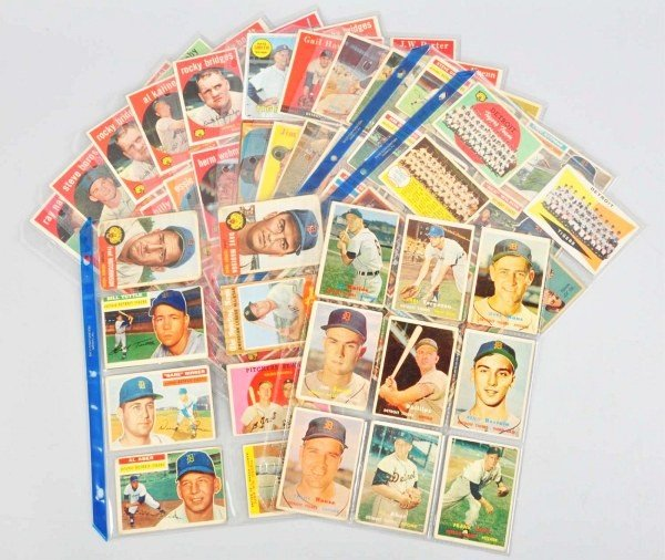 12: Group Lot of Detroit Tiger Baseball Cards.