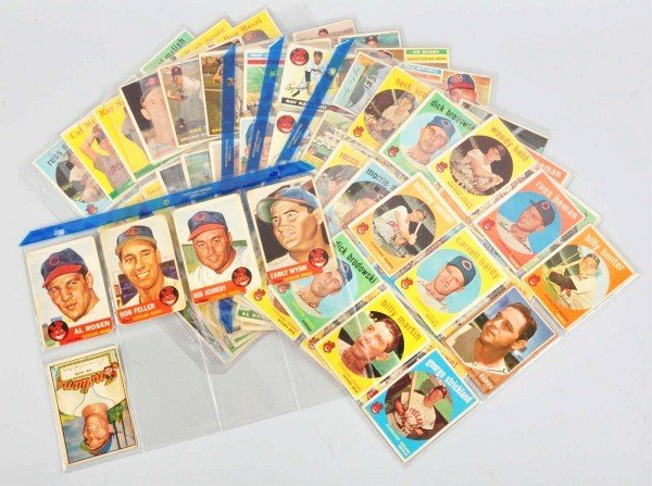 14: Group Lot of Cleveland Indians Baseball Cards.